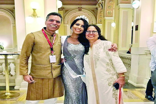 Miss Def India and Asia 2018's Nishtha Dudeja received National Award in the 'Role Model' category by the Vice President